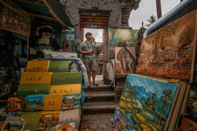 ubud traditional art market paintings