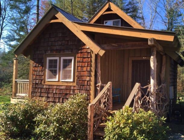 Tiny cabin near Lake Glenville NC