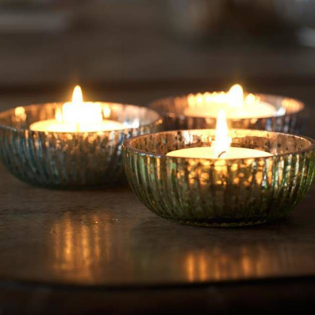 Diwali home decoration ideas : glass bowl tealights