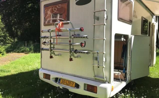 McLouis 690  Zeer ruime en nette 5persoons gezins camper