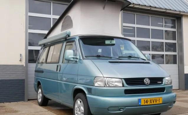 VW buscamper T4 met luifel 4 persoons slaapplekken en