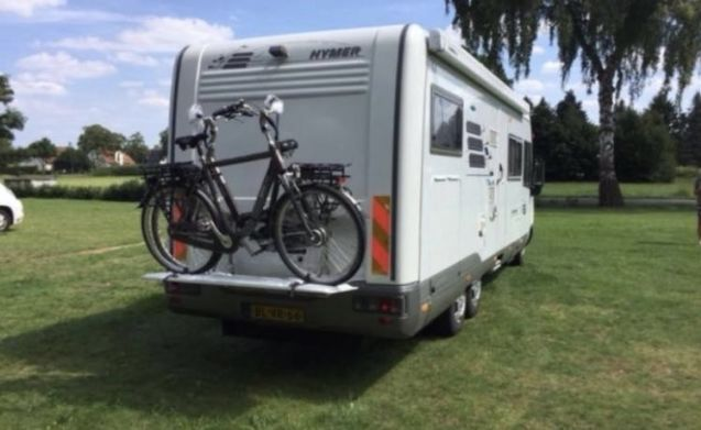 Crijbewijs Hymer e700  4 persoons Hymer E700 8 meter