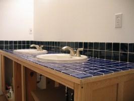 Mit einem selbst gestalteten Fliesenspiegel im Bad die ...