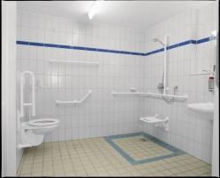 Das Bad altersgerecht umbauen Selbstständig bis ins hohe ...