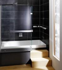 Kompakt und multifunktional  Die Eckbadewanne mit Dusche ...