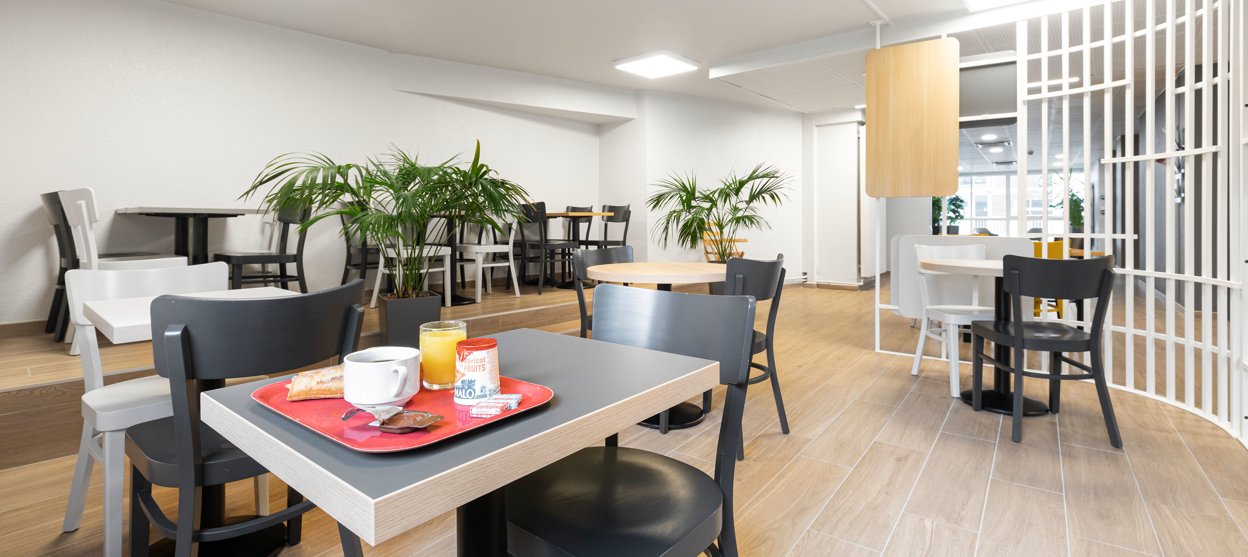 Book An Affordable Hotel In The Center Of Lyon B B Hotel