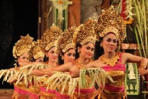 Tari Pendet Bali sumber google