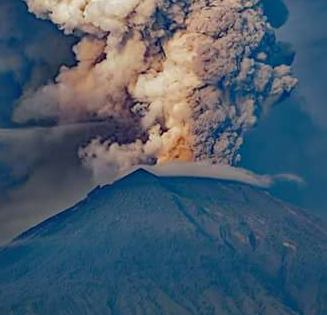Pesan Penuh Makna dibalik bencana Gunung Agung