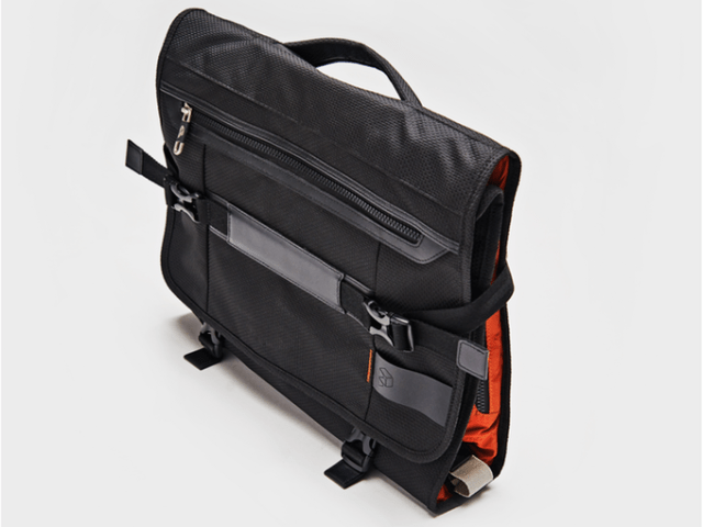 The PLIQO folding garment bag - packed and ready to go