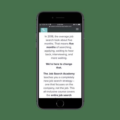 The Career Contessa fournit des descriptions de cours bien formatées avec de courts paragraphes sur mobile ainsi que des caractères gras