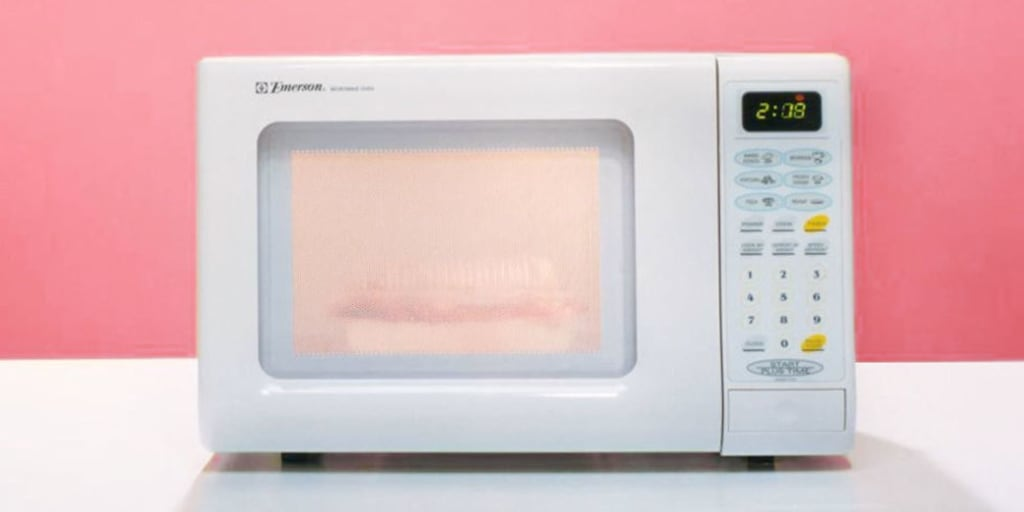simple ways to clean your microwave