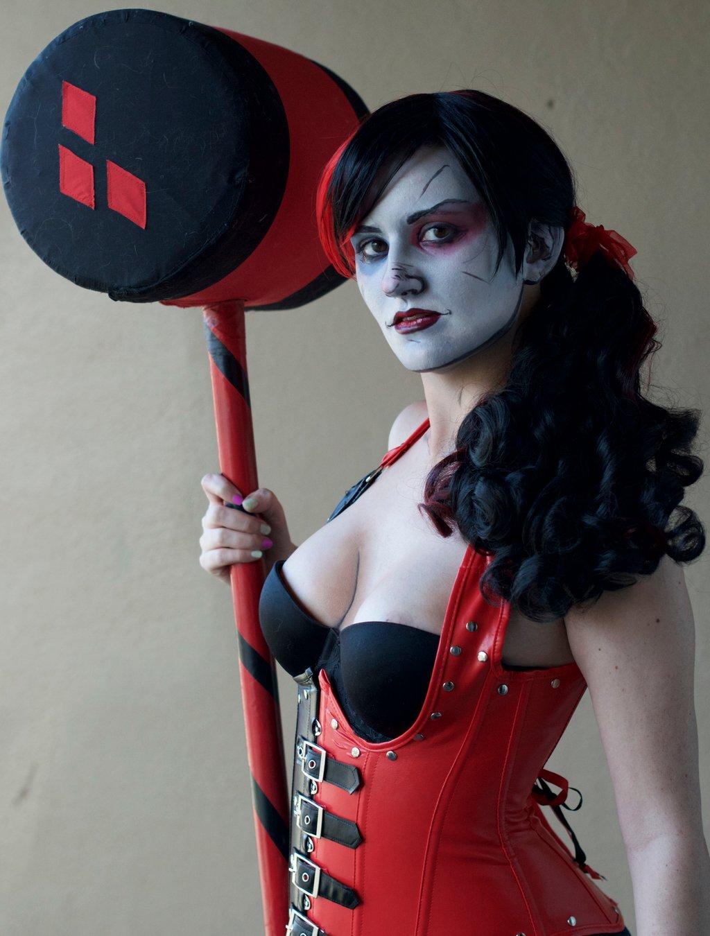 insane harley quin cosplay