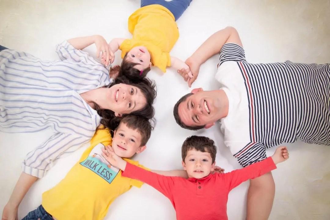 kidsfoto.es Sesión fotográfica familiar. Smash cake y primer cumpleaños. Fotógrafo infantil en Zaragoza