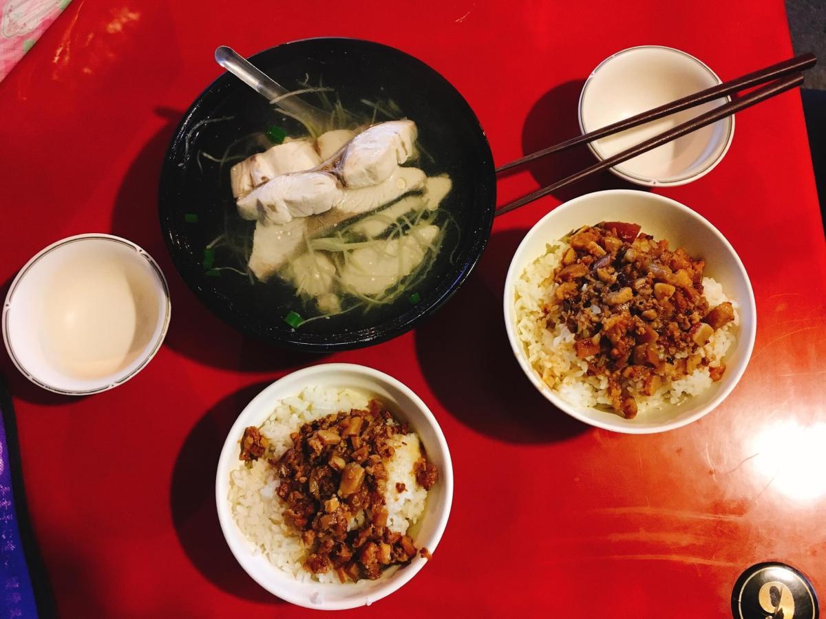 宜蘭南方澳-阿宗鮮魚湯:鮮魚湯+魯肉飯