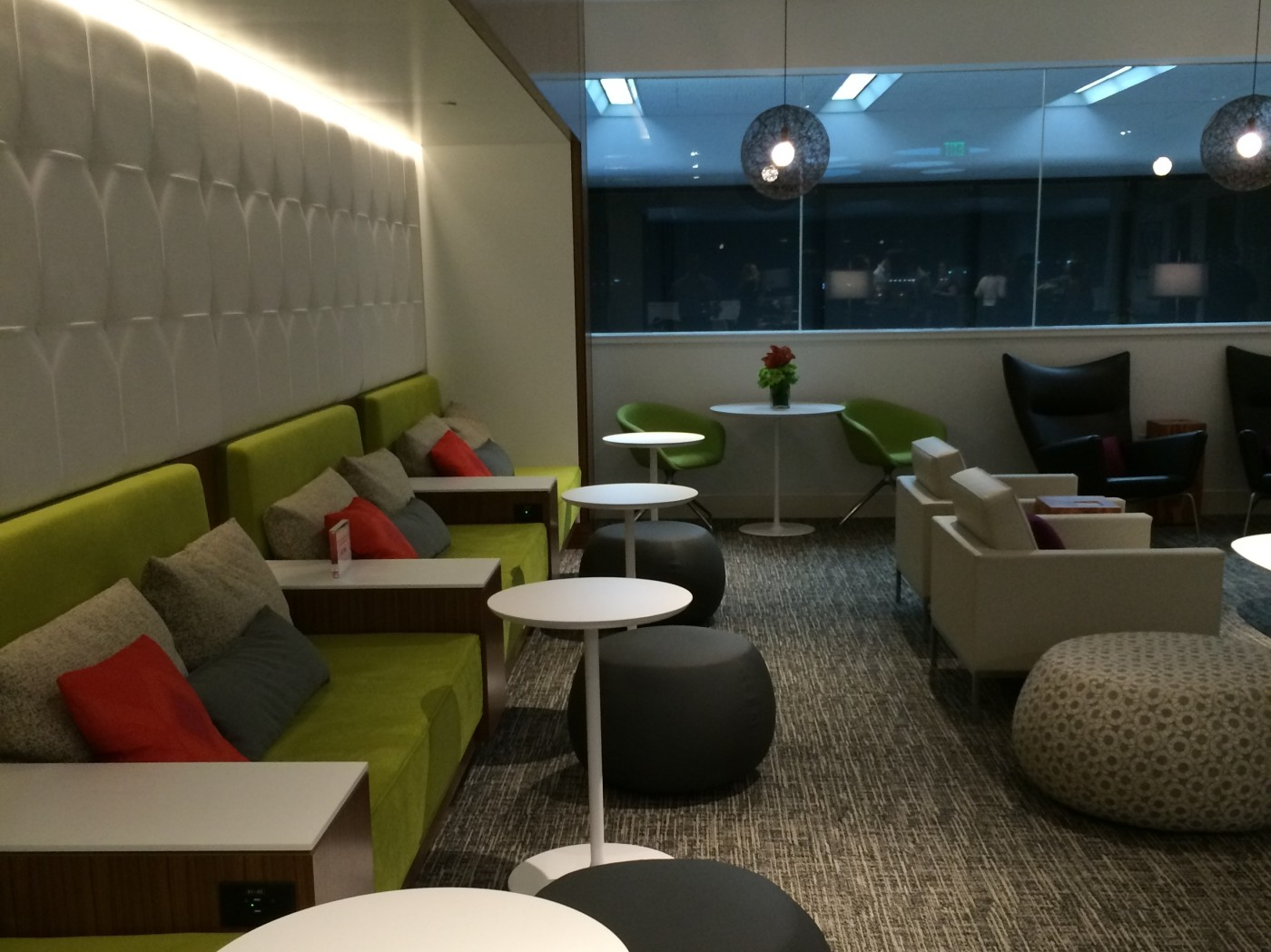 The American Express Centurion Lounge SFO An Inside Look