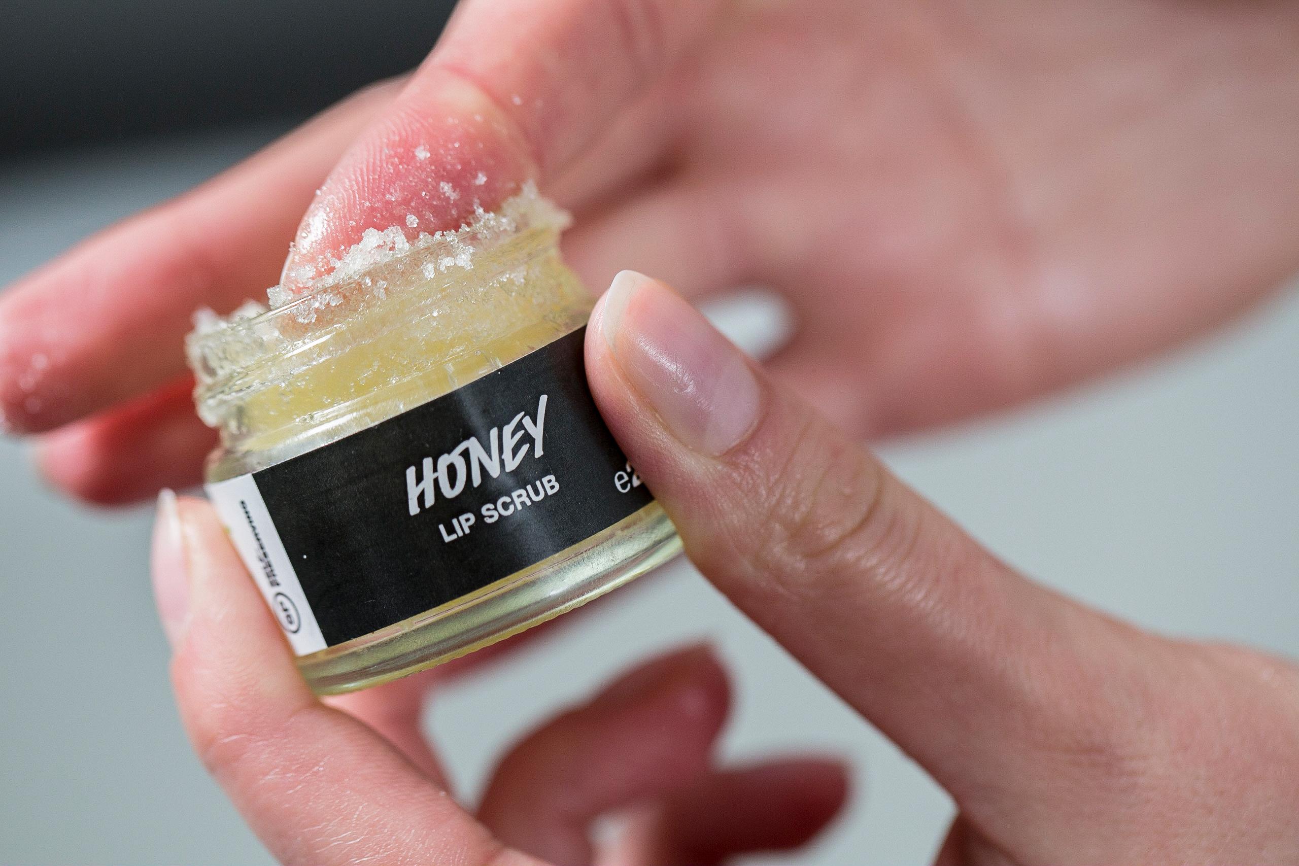 honey lip scrubs balms