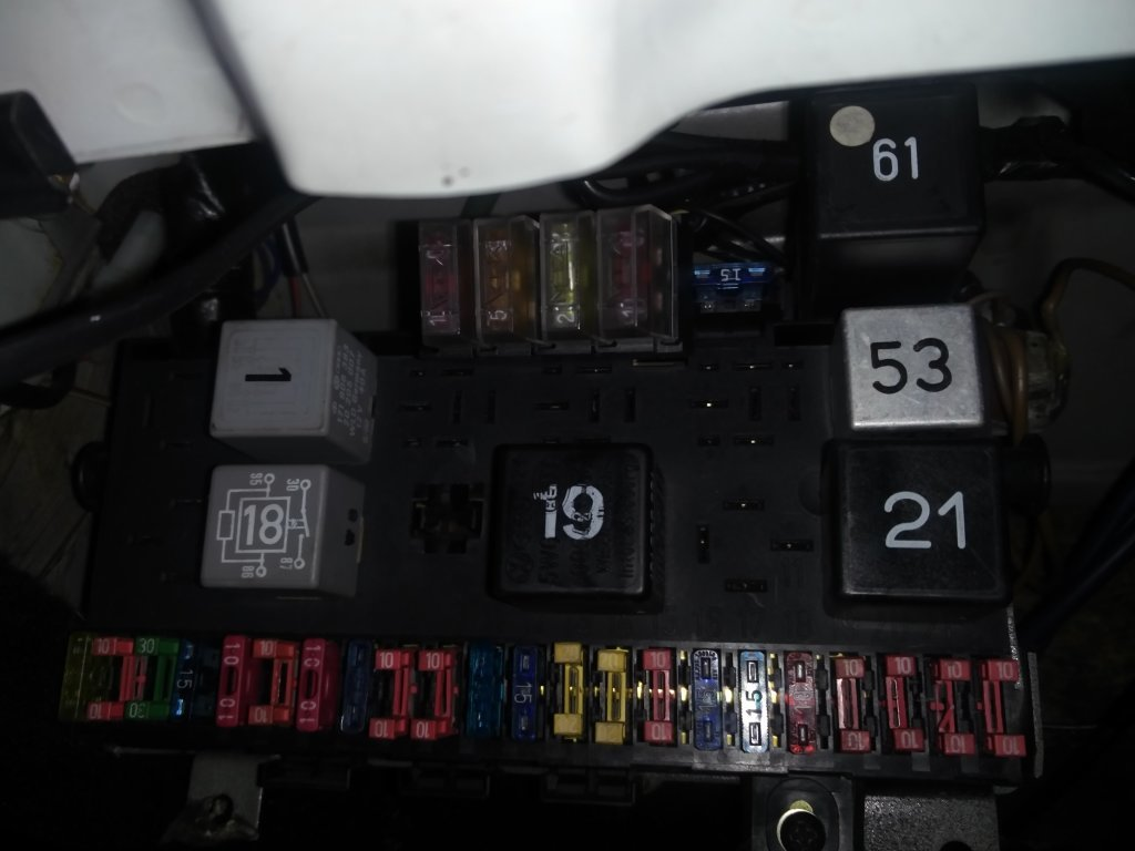 hight resolution of vw golf mk1 fuse box layout