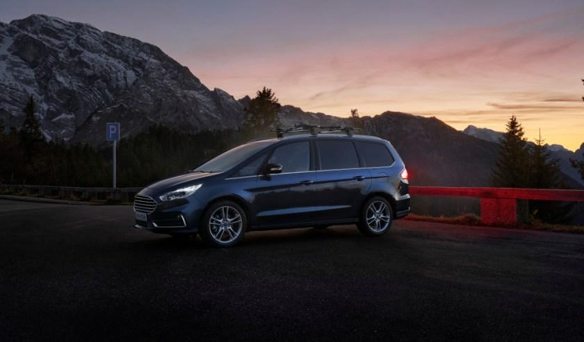 Ford sætter strøm til familiefavoritterne S-MAX og Galaxy Hybrid 3