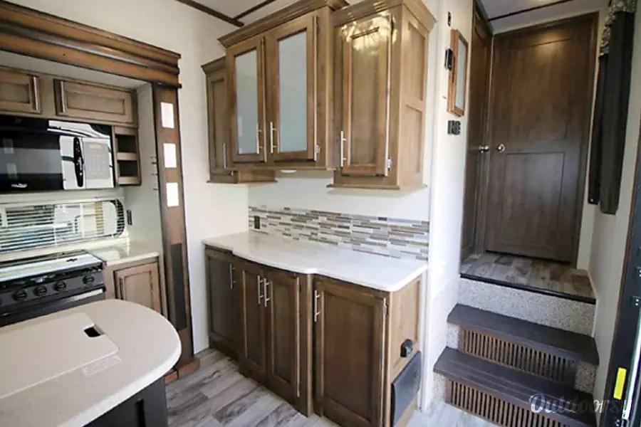 5th wheel bunkhouse outdoor kitchen door pulls 2018 keystone cougar fifth rental in lithia, fl ...