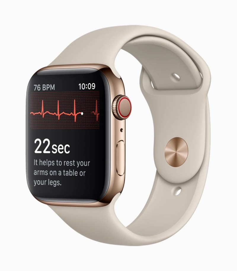 Apple Watch Series 4 Taking ECG with a touch of Digital Crown