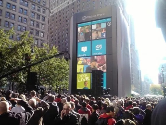 6-story Windows Phone in NYC