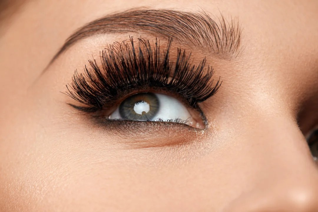 How To Transition from Lash Extensions to Mascara