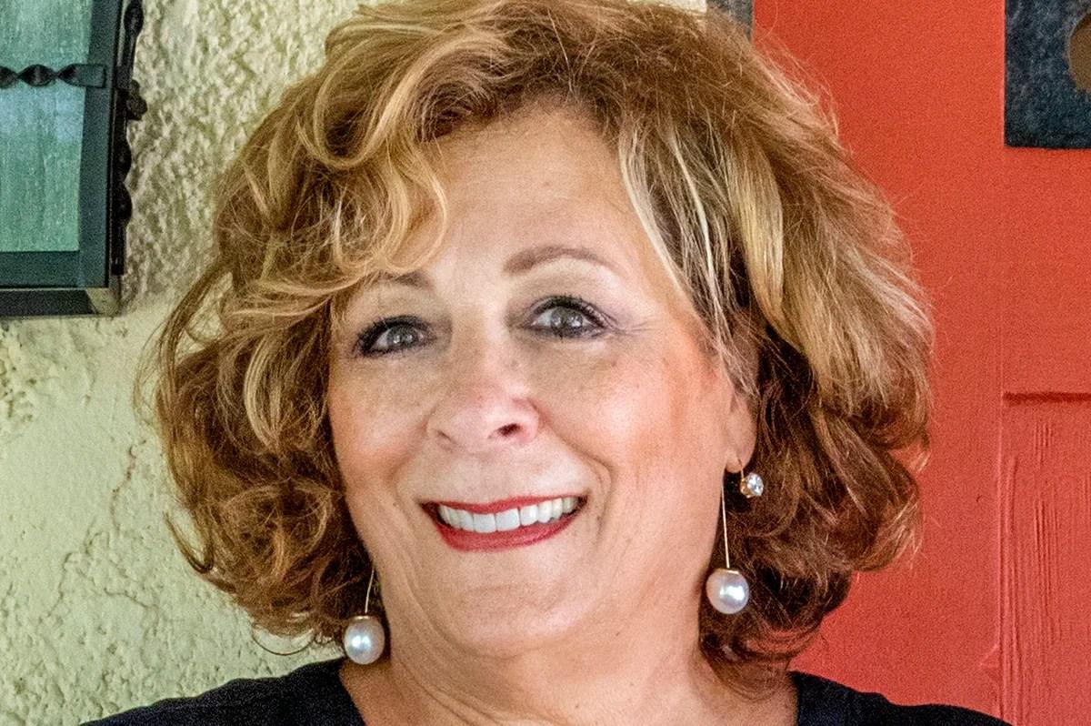 Lisa Berger Wakes Up Art Center Sarasota Sarasota Magazine