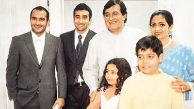 বিনোদ খান্না ও তার পরিবার