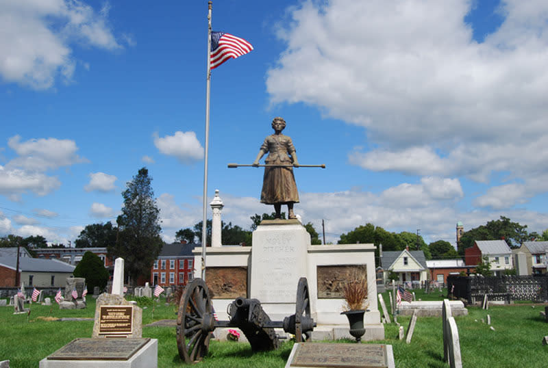Molly Pitcher Grave Amp Statue