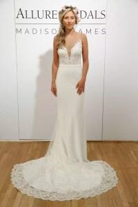 10 Amazing Las Vegas Wedding Dresses | Get Married in Vegas