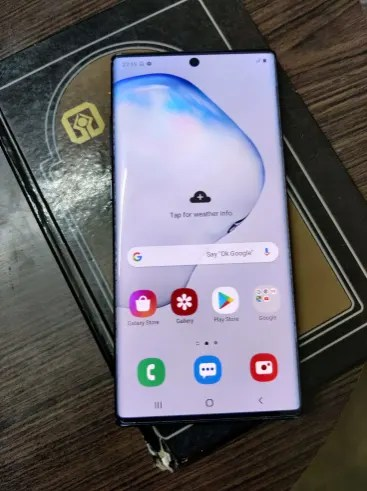 Samsung Galaxy Note 10 Plus display