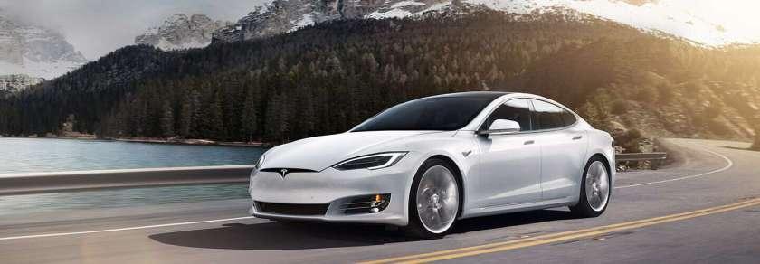Tesla Model S Saloon