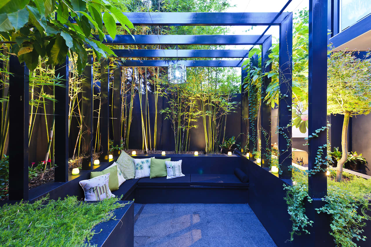 The Minimalist Garden How To Create More With Less Trends