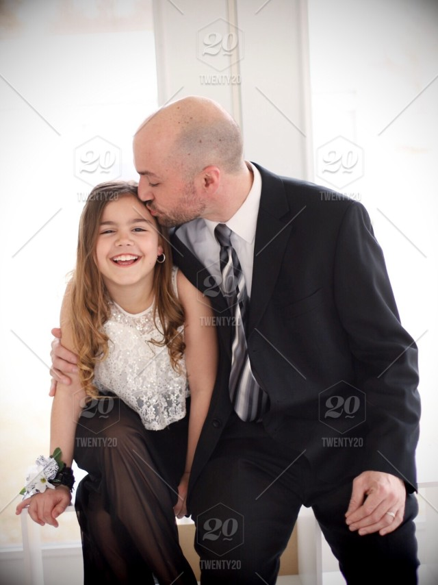 daddy daughter dance dad