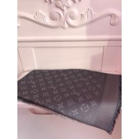 Shawl LOUIS VUITTON gray vendu par Shuluvconcept - 5261329