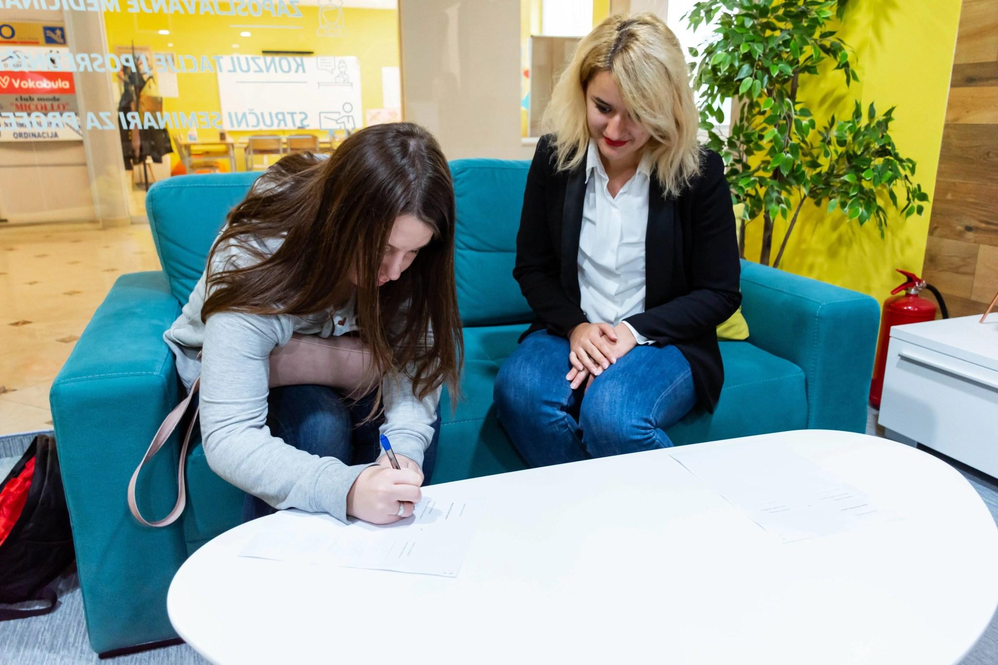 vokabuline stipendije, Studenti postižu više uz Vokabuline stipendije! Podijeljene prve stipendije studentima
