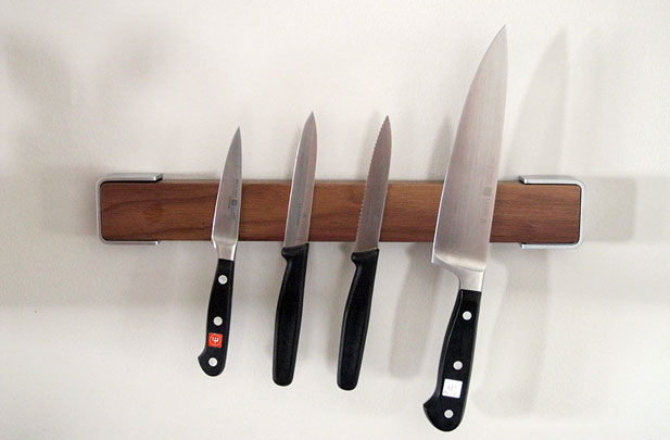 kitchen knife magnet black table sets review wusthof magnetic rack yuppiechef magazine
