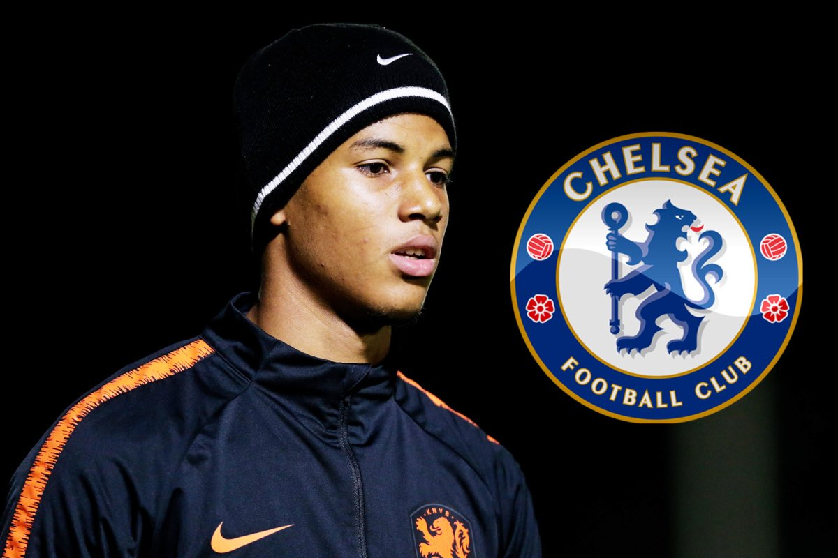 Xavier mbuyamba (born 31 december 2001) is a dutch footballer who plays as a centre back for british club chelsea. Chelsea Completed The Signing Of Former Barcelona Man Xavier Mbuyamba Daily Focus Nigeria