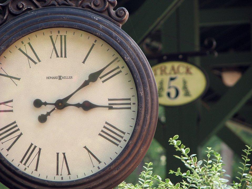 clocks free stock photo