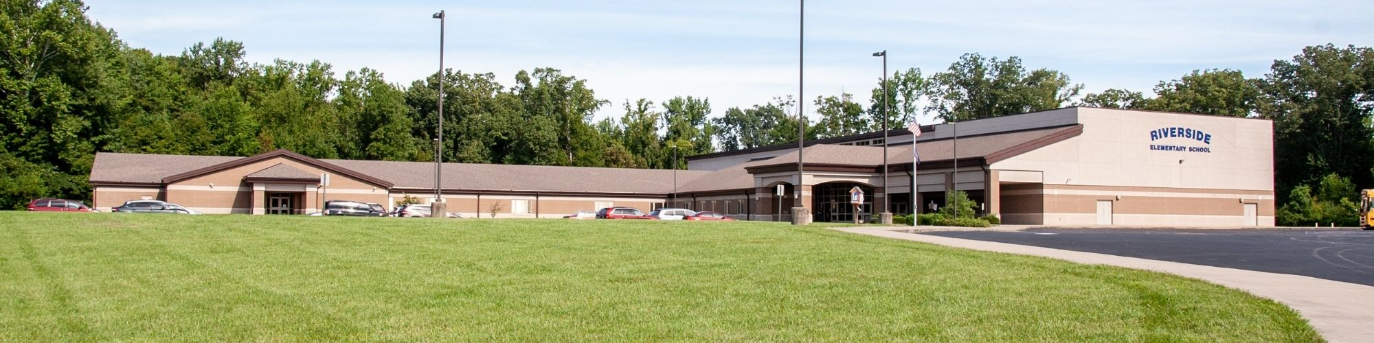Riverside Elementary Exterior Building View