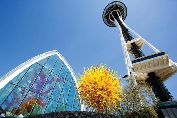 Space Needle Admission Ticket With Chihuly Garden And