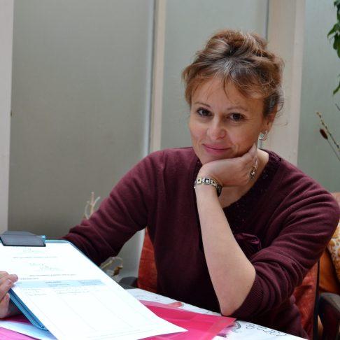 Madeleine Holt