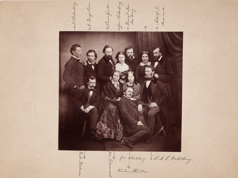 Artists and teachers with their spouses in Düsseldorf in the 1850s. On the left, Werner Holmberg (1830–1860), one of the first Finnish artists to have studied in Düsseldorf. Black-and-white print on paper from the 1890s, reproduction of original print. Finnish National Gallery archive prints.