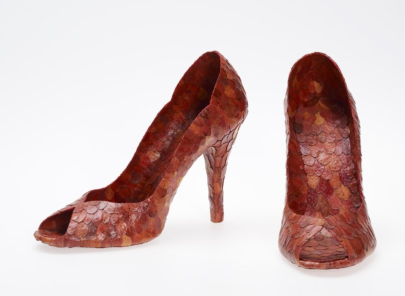 Anna Rapinoja, Autumn Party Shoes, 2010, made from northern bilberry leaves, from the series 'Wardrobe of Nature', 2005–11, Museum of Contemporary Art Kiasma. Photo: Finnish National Gallery / Pirje Mykkänen.