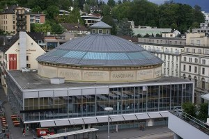 Bourbaki Panorama, Lucerna. L'edificio che ospita il dipinto ora è un Monumento culturale europeo e Museo con Casa dedicata ai media, agli incontri, alla cultura