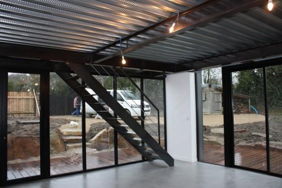 Mezzanine En Plancher Collaborant Et Escalier Photos De