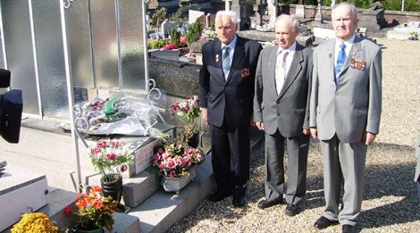 Valentin Ogourtsov (au milieu), France, 2006