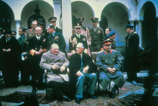 1310914-Conférence_de_Yalta_1945