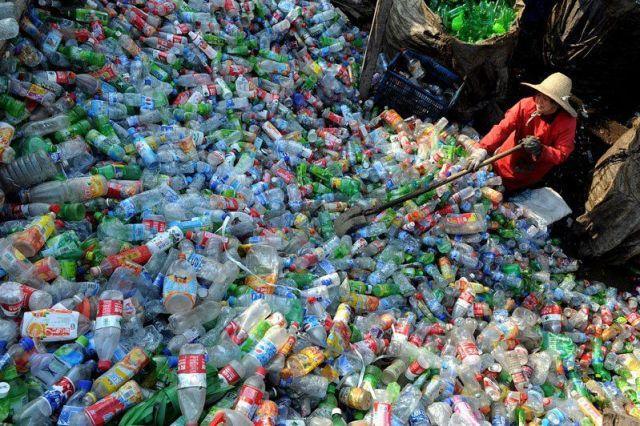 usine-recyclant-bouteilles