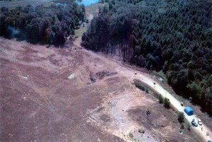 Vue aérienne du site du « crash » du vol 93 à Shanksville. Source : Wikipedia.